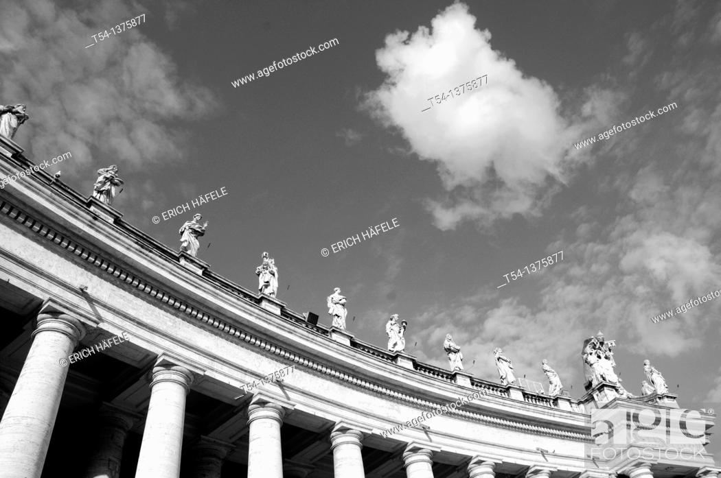 Stock Photo: Saint Peter's Square in Rome.
