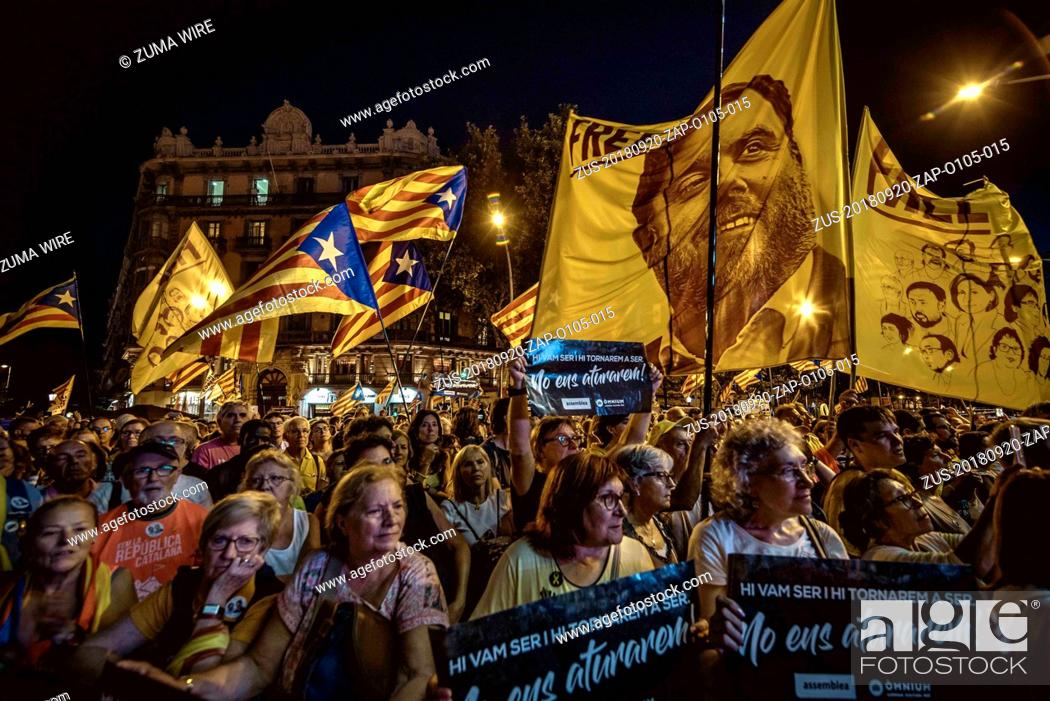 Stock Photo: September 20, 2018 - Barcelona, Catalonia, Spain - Catalan separatists gather in front of the Catalan Economy Ministry in support of the Catalan Republic at the.