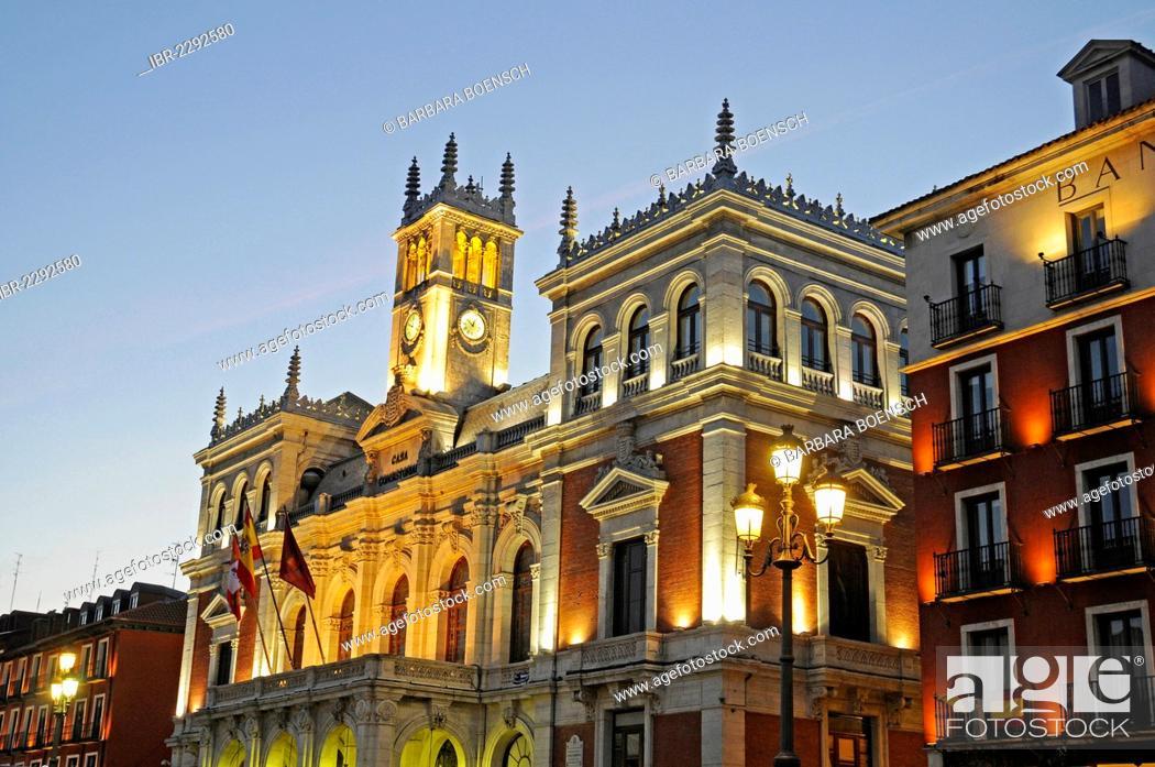 Imagen: Town hall, Plaza Mayor, Valladolid, Castile and León, Spain, Europe, PublicGround.