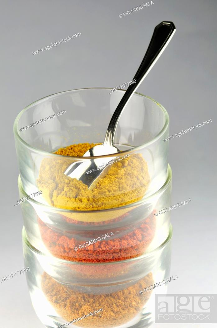 Photo de stock: Variety of Spices, Curry, Paprika, Coriander.