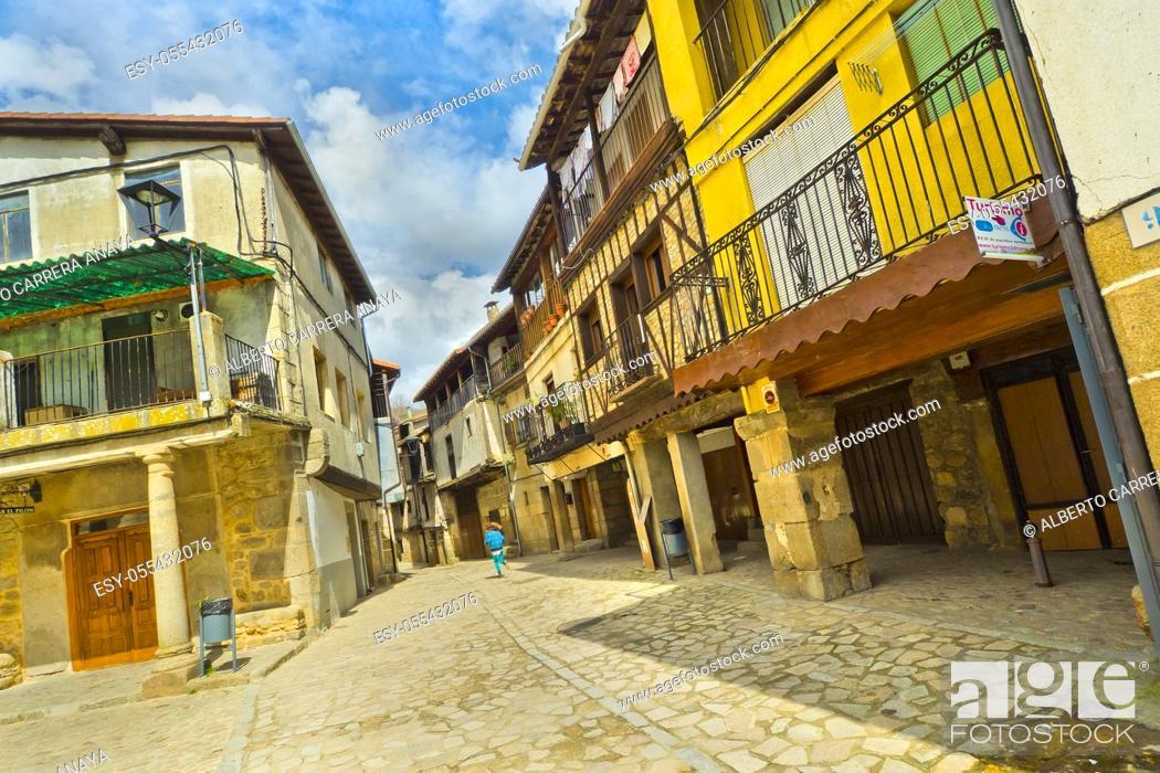 Imagen: Traditional Architecture, Medieval Town, Historic Artistic Grouping, San Martín del Castañar, Salamanca, Castilla y León, Spain, Europe.