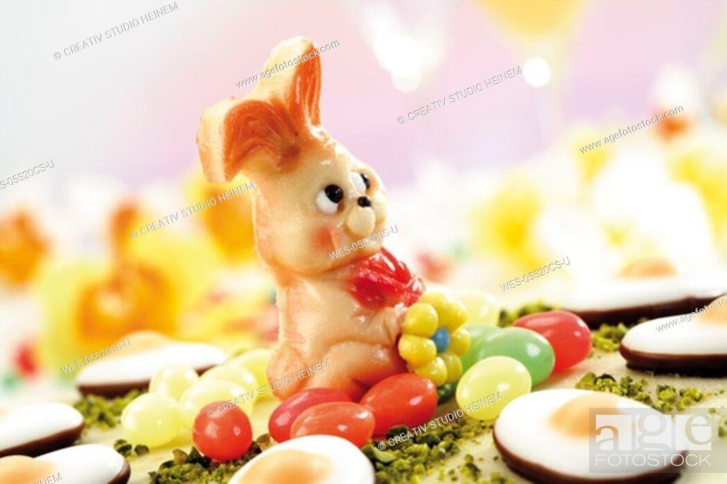 Photo de stock: Easter torte, close-up.