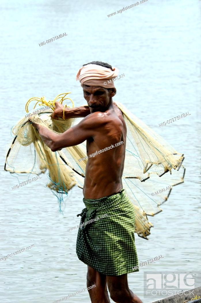 Stock Photo: ROUND THROW-NET FISHING, KUMBALANGHI NEAR KOCHI.