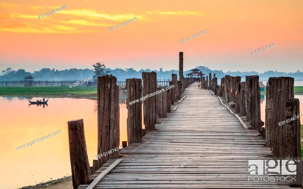 Stock Photo: Ubein Bridge at sunrise, Mandalay, Myanmar.