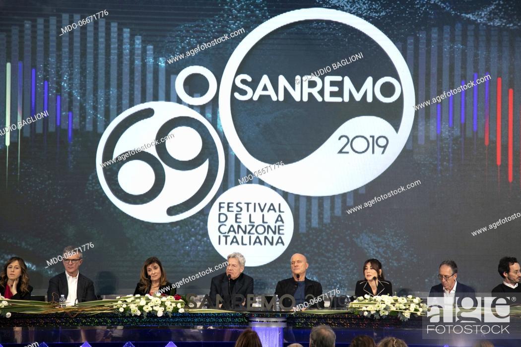 Imagen: Claudio Baglioni, Claudio Bisio and Virginia Raffaele at the first press conference of the 69th Sanremo Music Festival. Sanremo (Italy), Fabruary 5th, 2019.