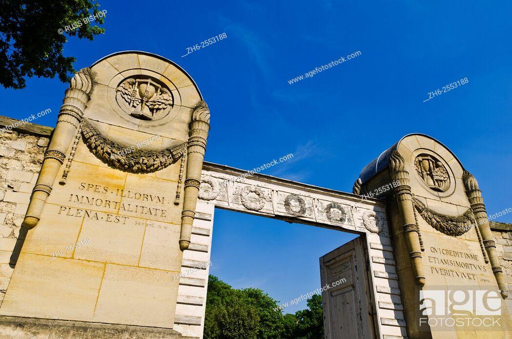 Stock Photo: Gates at the main entrance, Père Lachaise Cemetery, Paris, France.