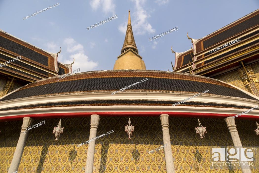 Imagen: Wat Ratchabophit temple in Bangkok, Thailand.