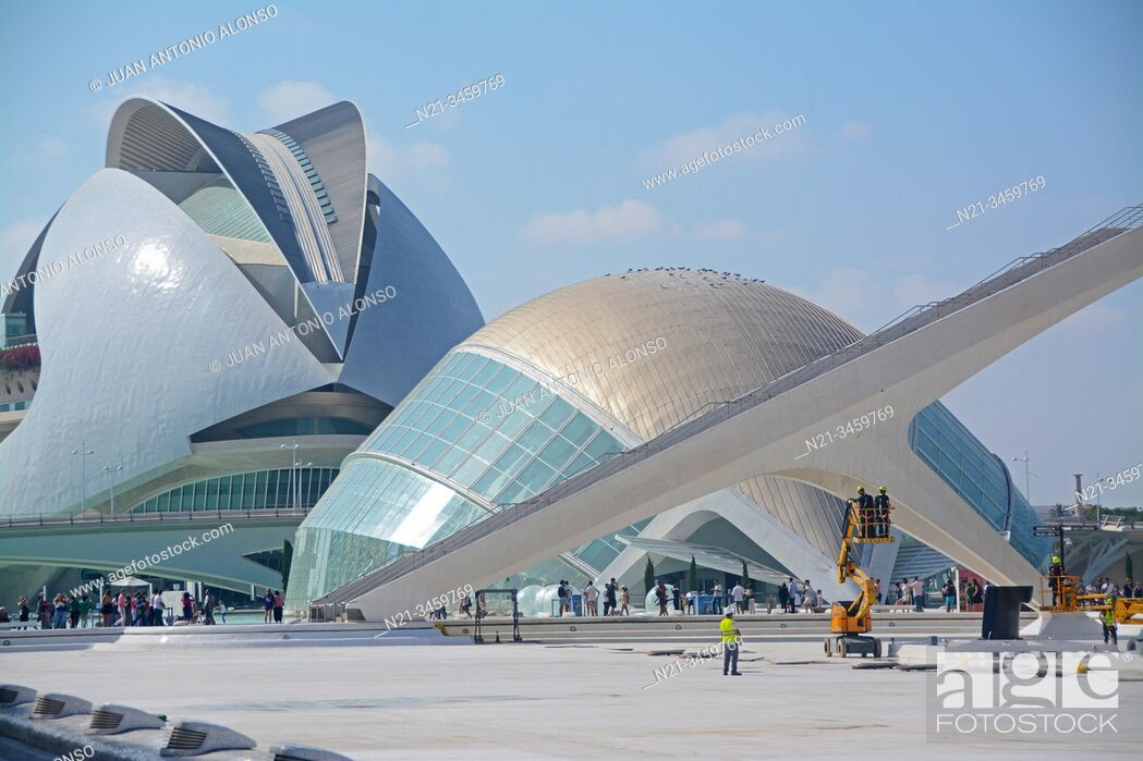 Stock Photo: Santiago Calatrava's Hemisferic building and the Palau de Les Arts Reina Sofia. Ciudad de las Artes y las Ciencias, an architectural.