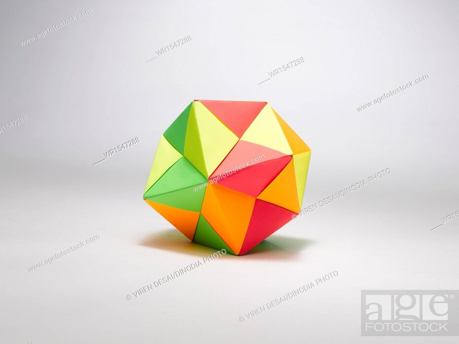 Imagen: origami shoes India.