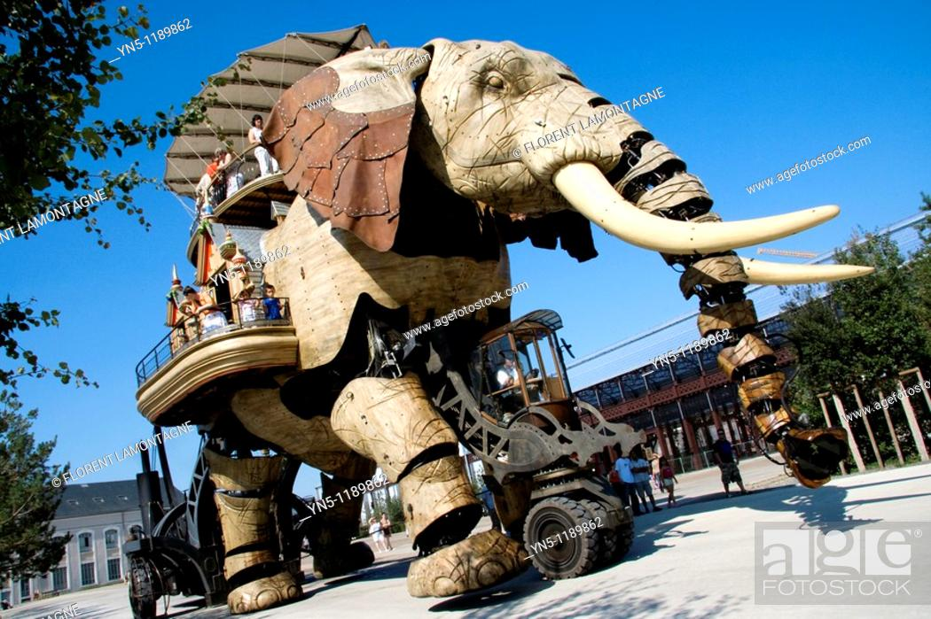 Stock Photo: France, Pays de la Loire province, Departement of Loire Atlantique 44, Nantes   The Elephant machine of the Feydeau island which has been inspired by the novels.