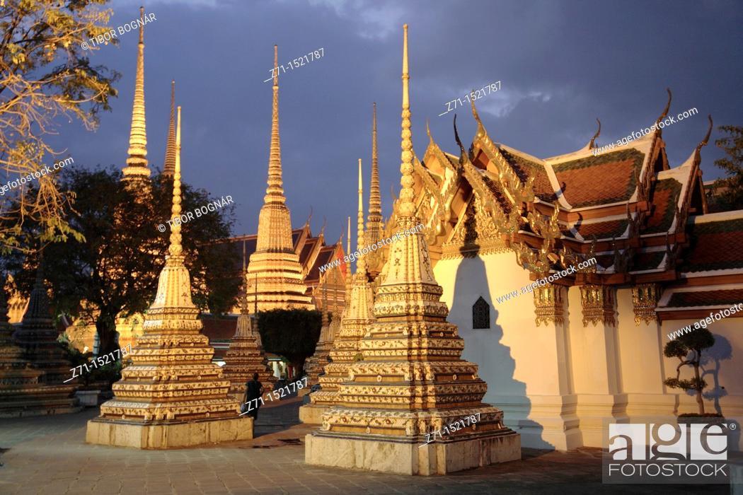 Stock Photo: Wat Pho buddhist temple, Bangkok, Thailand.