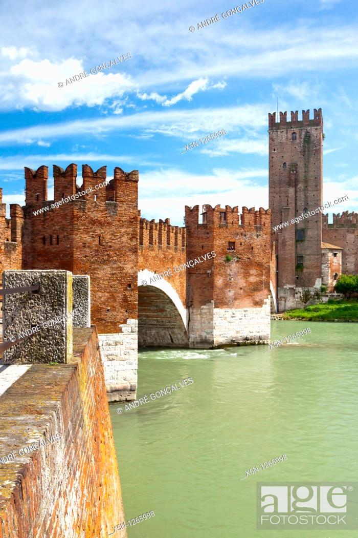 Stock Photo: Bridge, Verona, Italy.