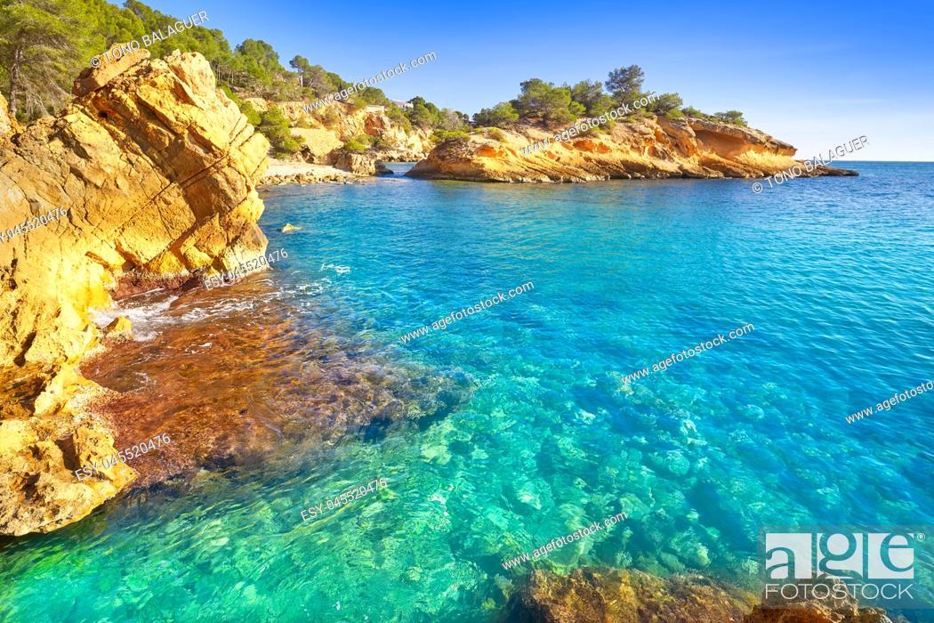 Photo de stock: Ametlla L'ametlla de mar beach illot in Costa dorada of Tarragona in Catalonia.