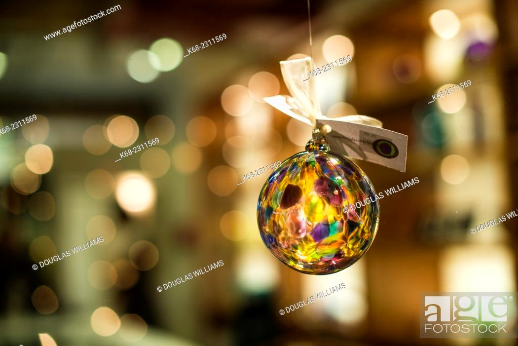 Photo de stock: Christmas decorations on Granville Island, Vancouver, BC, Canada.