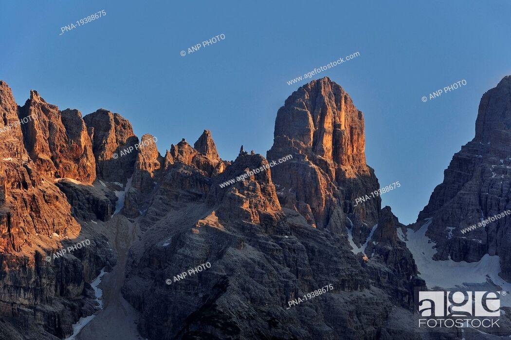 Stock Photo: Gruppo del Cristallo, Monte Cristallo, Cortina dıAmpezzo, Veneto, Dolomites, Alps, Belluno, Italy, Europe.