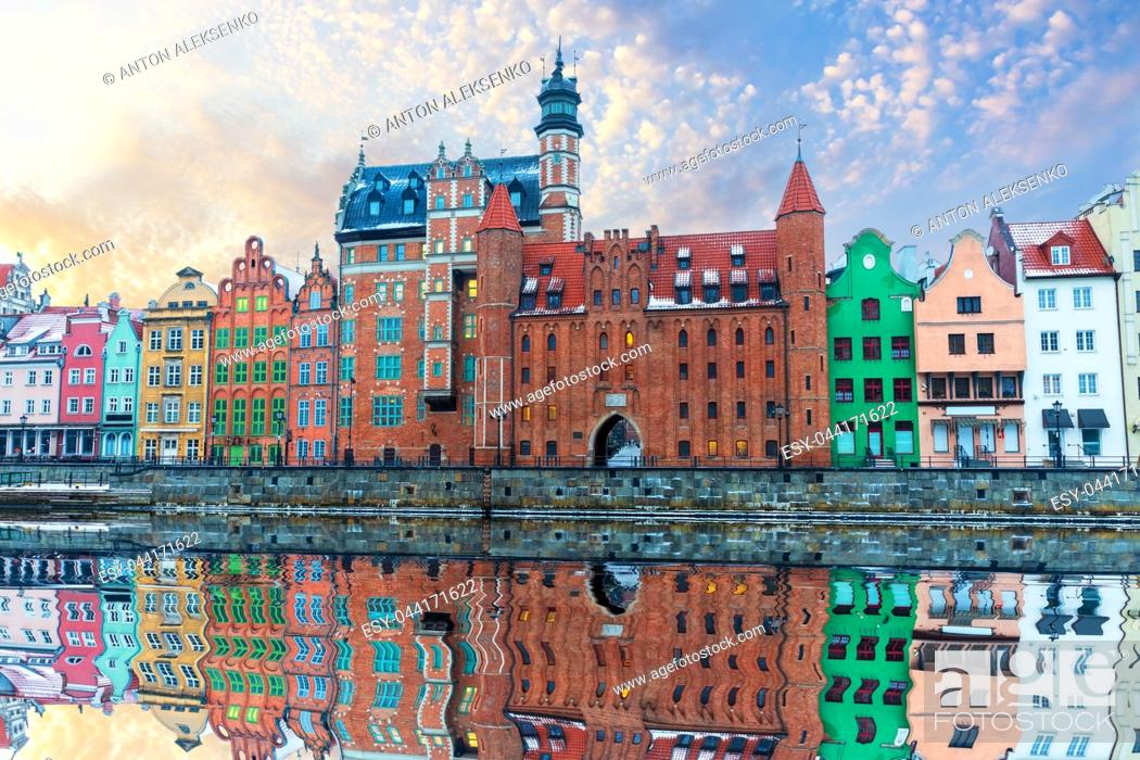Stock Photo: Colorful buildings of Gdansk by the Motlawa river, Poland.