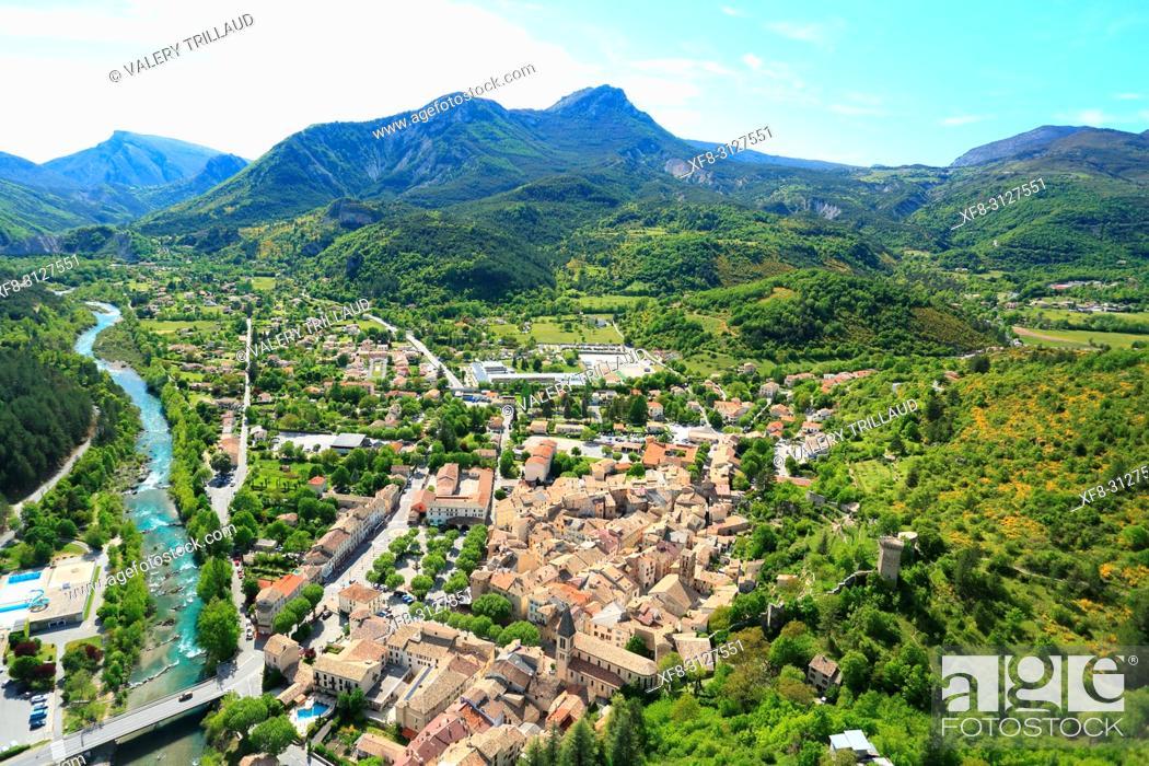 Stock Photo: Vue aerienne sur Castellane, Parc regional du Verdon, Alpes de Haute Provence, 04, PACA, .