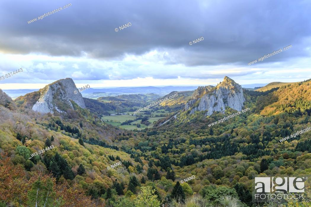Stock Photo: France, Puy de Dome, Volcans Auvergne Regional Natural Park, the Monts Dore, Orcival and Rochefort Montagne, Fontsalade valley.