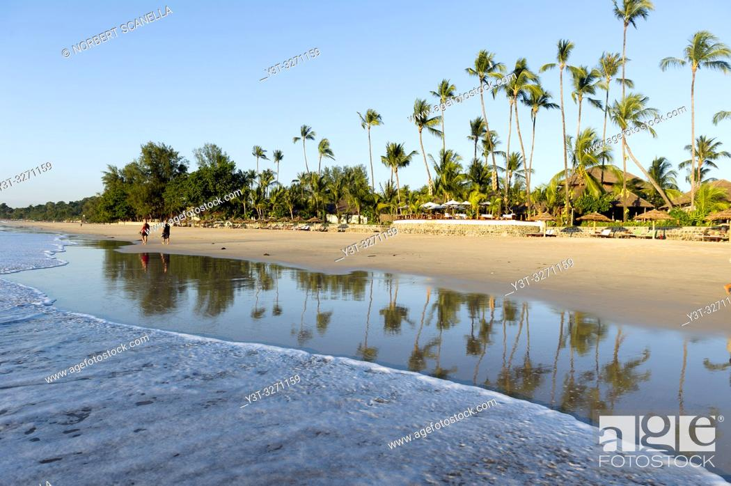 Stock Photo: Myanmar (ex Birmanie). Ngapali. Arakan state. Bengal Golf Course. Beach lined with coconut trees.