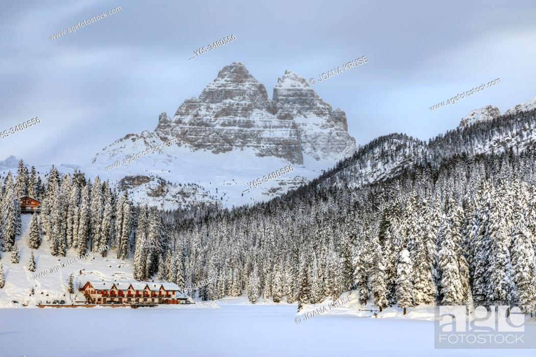 Stock Photo: Lake Misurina, Misurina, Cortina d'Ampezzo, Belluno, Veneto, Dolomites, Italy, Europe.