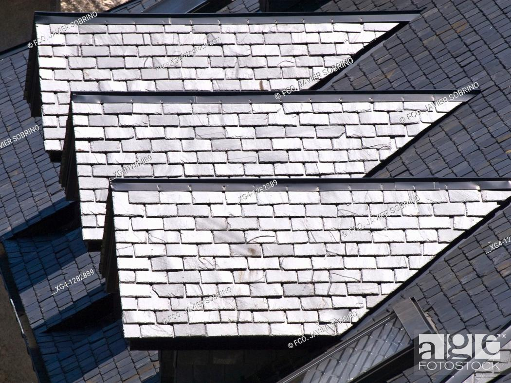 Stock Photo: Biescas slate roofs - Alto Gallego - Province of Huesca - Aragon - Aragon Pyrenees - Spain.