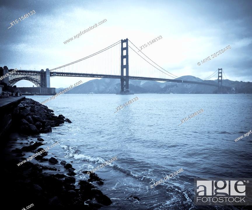 Stock Photo: Golden Gate Bridge in San Francisco Bay.