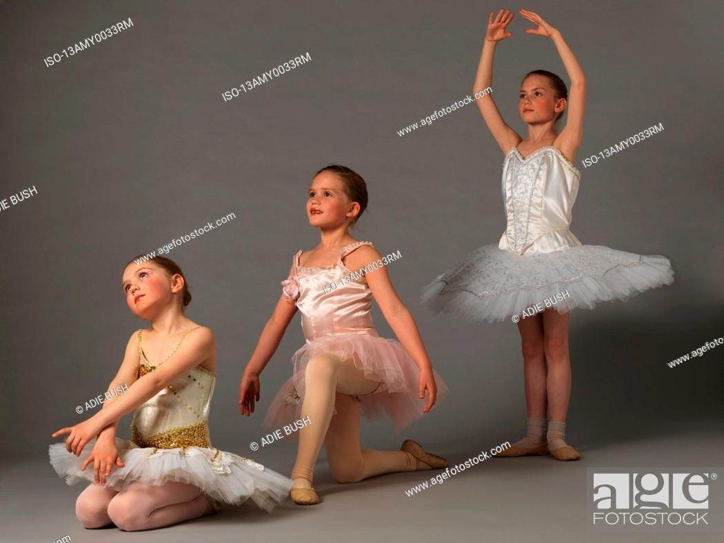 Imagen: Three girls posing.