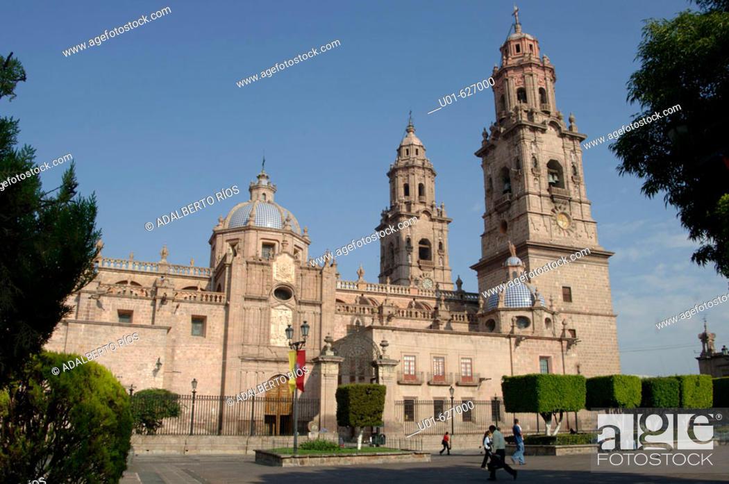 Stock Photo: Cathedral. Morelia. Mexico/ Catedral de Morelia. La Catedral de Morelia se inicio en 1660 es de cantera rosa, estilo barroco tablereado sus torres de 60 metros.