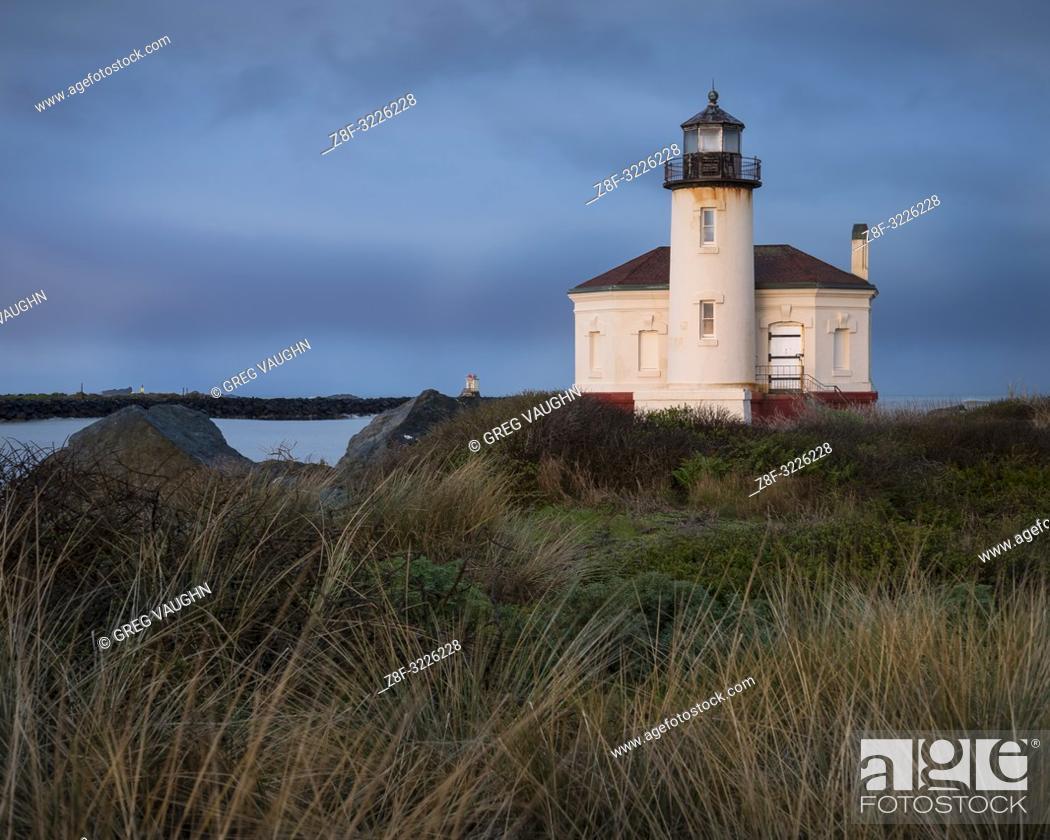 Imagen: Coquille River Lighthouse, Bullards Beach State Park, Bandon, southern Oregon coast.