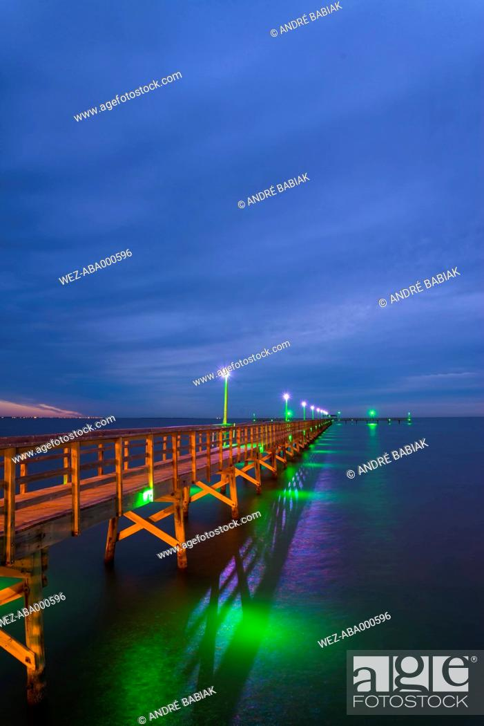 Stock Photo: USA, Texas, Bridge at Gulf of Mexico.