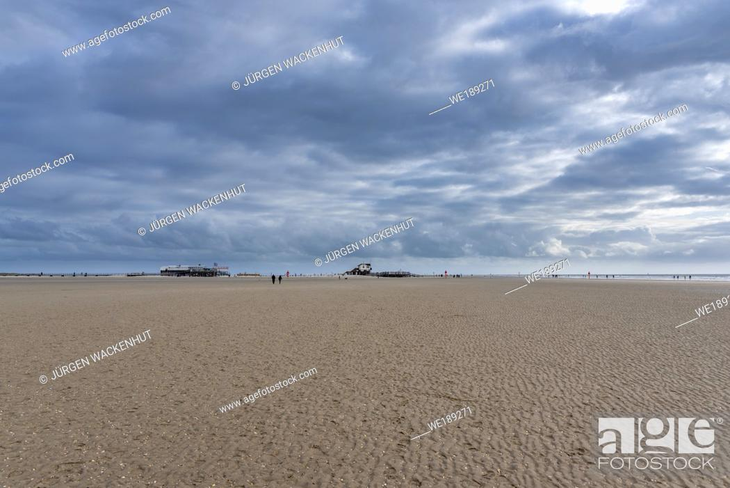 Stock Photo: Beach with stilt houses and kite surfers, Sankt Peter-Ording, North Sea, Schleswig-Holstein, Germany, Europe.