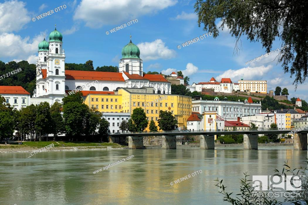 Stock Photo: Germany, Bavaria, Eastern Bavaria, Lower Bavaria, Passau, Danube, Inn, Ilz, St. Stephens Cathedral, Bishop church, baroque, Old Residence with Land court.