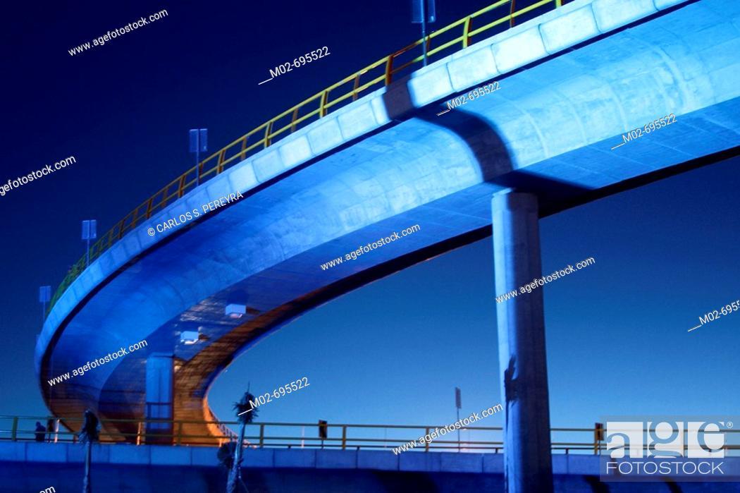 Stock Photo: Modern bridge, Torreon, Coahuila, Mexico.