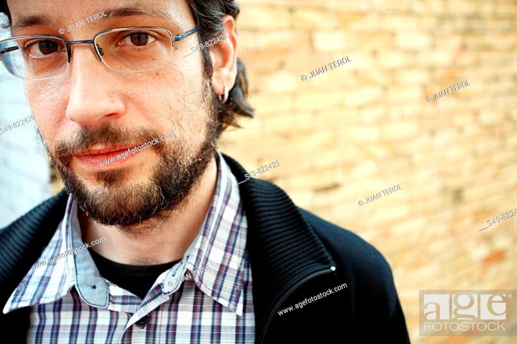 Stock Photo: Portrait front.