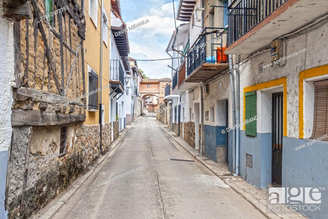 Imagen: Calle del Caño. Mombeltrán. Barranco de las cinco villas. Valle del Tiétar. Provincia de Ávila, Castile-Leon, Spain.