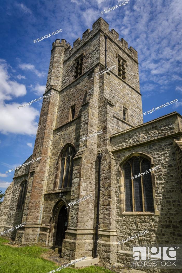 Photo de stock: St Mary Magdalene parish church built in 13th century, Cobham, England, UK.