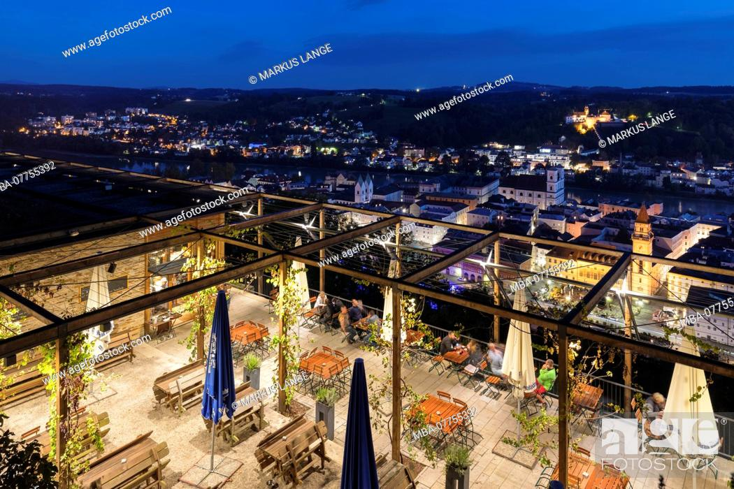 Stock Photo: View of the Veste Upper House about the Old Town of Passau, Lower Bavaria, Bavaria, Germany.