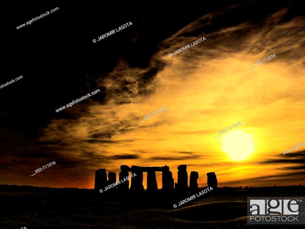 Stock Photo: Stonehenge circle. Salisbury plain, Southern England. UK.