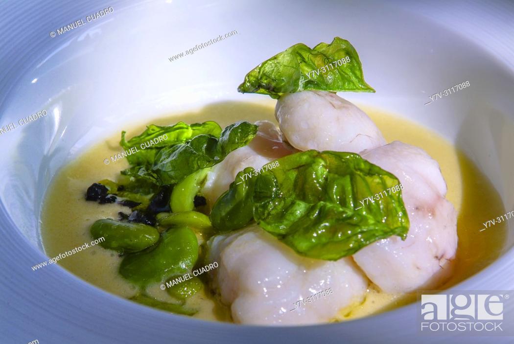 Photo de stock: Plato de Carrillera de rape, su jugo trufado y habitas de temporada (Monkfish cheeks, truffled juice and beans). Restaurante Aretxondo.