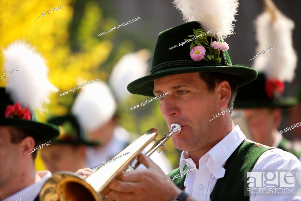 Stock Photo: Brass band, Midsummer Festival, Munsing, Bavaria, Germany.