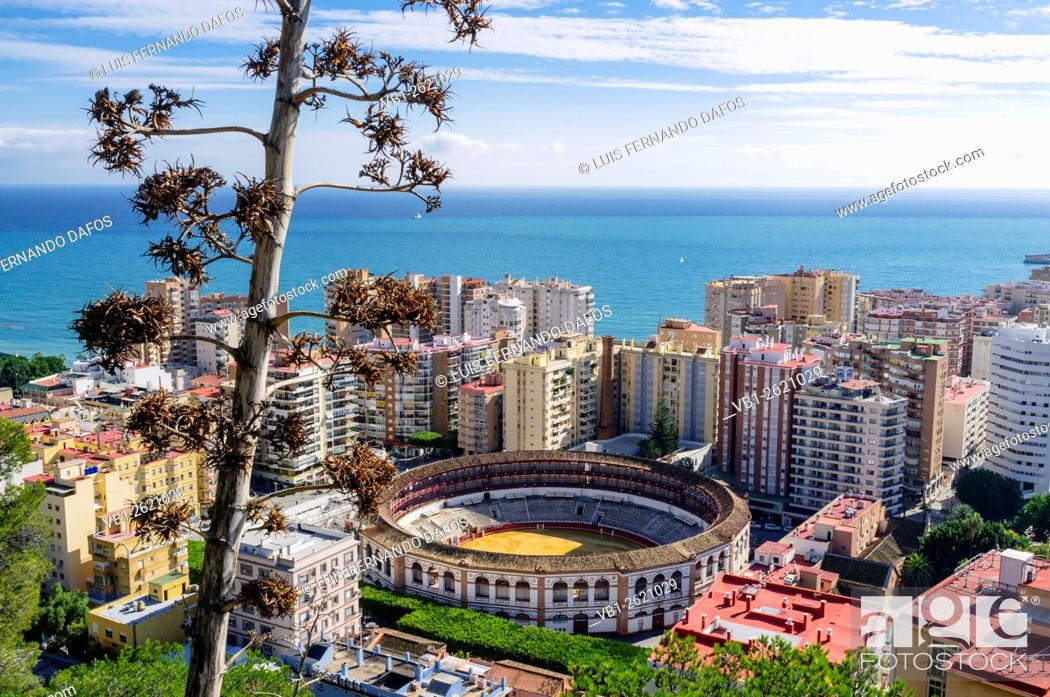 Imagen: Overview of La Malagueta district and Bullring. Malaga, Andalusia, Spain.