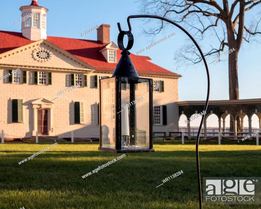 Stock Photo: George Washington house Mount Vernon.
