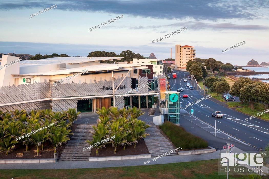 Stock Photo: New Zealand, North Island, New Plymouth, Puke Ariki, Maori museum, elevated view.