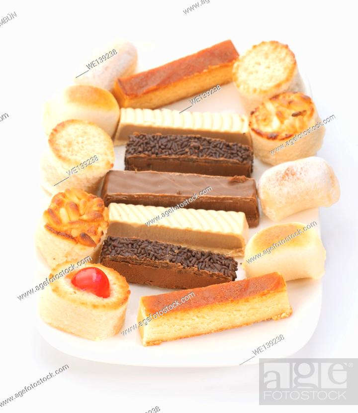 Photo de stock: tray with nougat and marzipan.