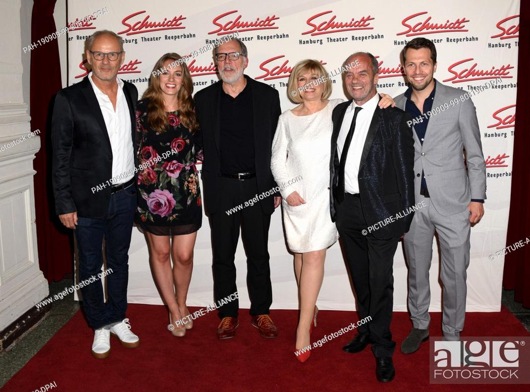 Stock Photo: 09 September 2019, Hamburg: Reinhold Beckmann (l-r), television presenter, Tessa Aust, Schmidt managing director, Wolfgang Trepper, presenter, Mary Roos, singer.