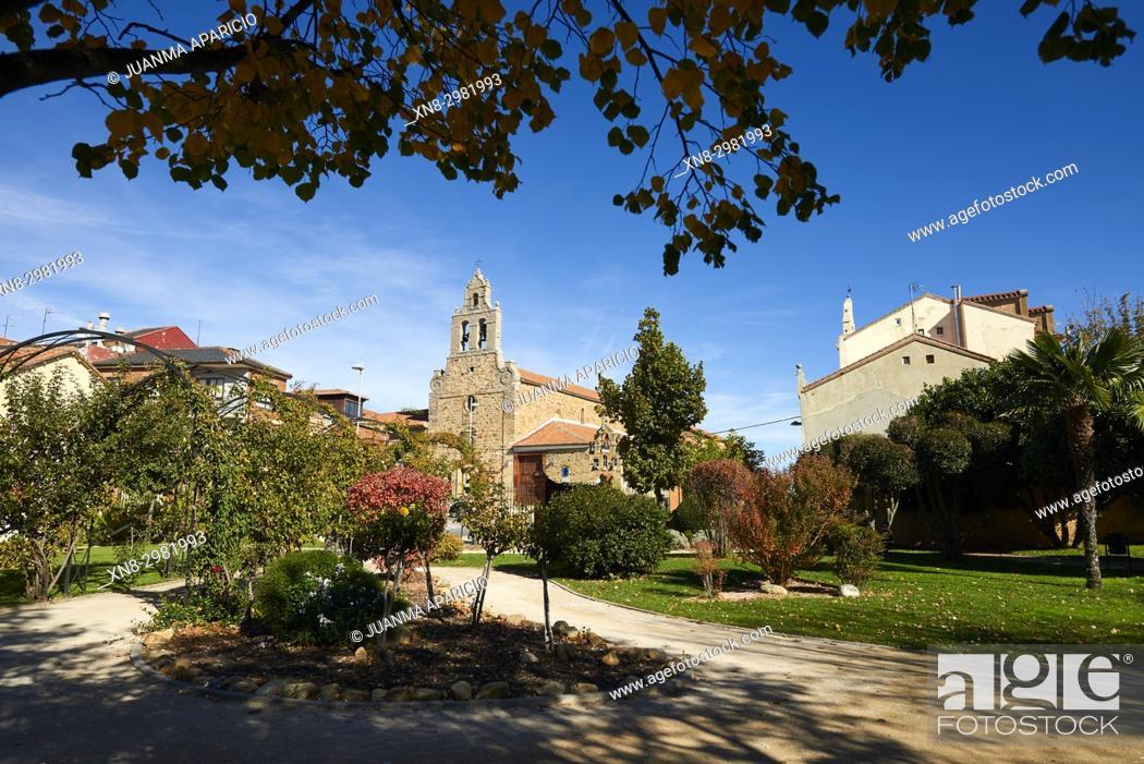 Stock Photo: Garden of La Sinagoga, Astorga, Provice of Leon, Castilla y Leon, Spain, Europe.