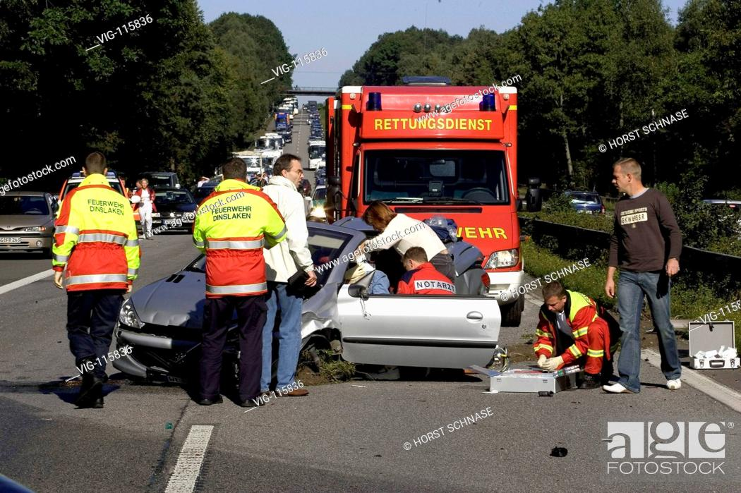Accident on the motorway A3: a convertible driver crashed in two
