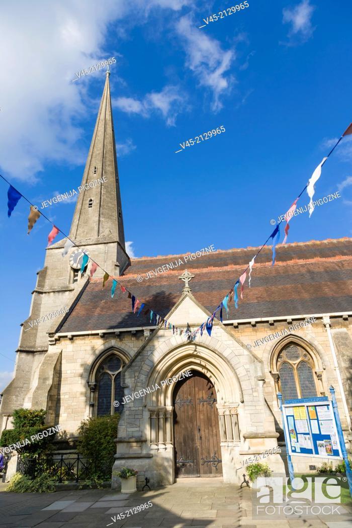 Stock Photo: St Laurence Church, Stroud, Gloucestershire, England, UK.