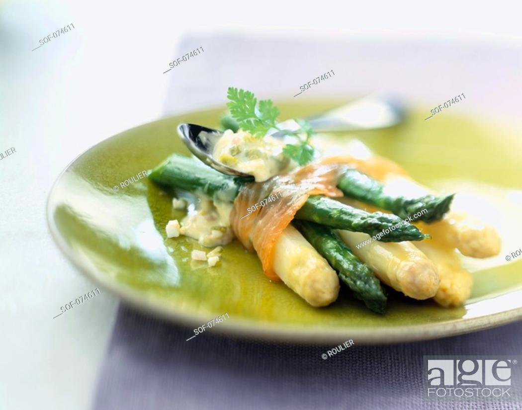 Stock Photo: Bundle of asparagus with smoked salmon.