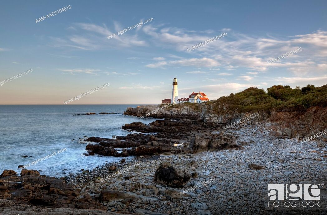 Stock Photo: Lighthouse in Portland Maine in Fort Willams Park.